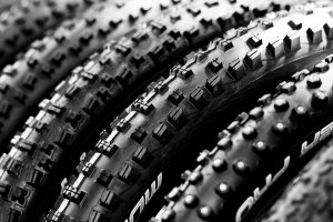 Fat_Mountainbike_Tires_by_g3niuz