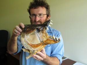 Dr Woody Cotterill in 2012 met 'n tierviskop. Foto: Engela Duvenage