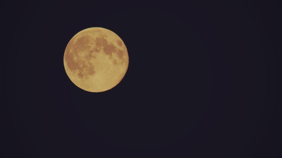moon-1574470_960_720